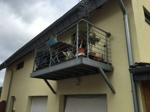 freitragender balkon gel nder f r au en. Black Bedroom Furniture Sets. Home Design Ideas